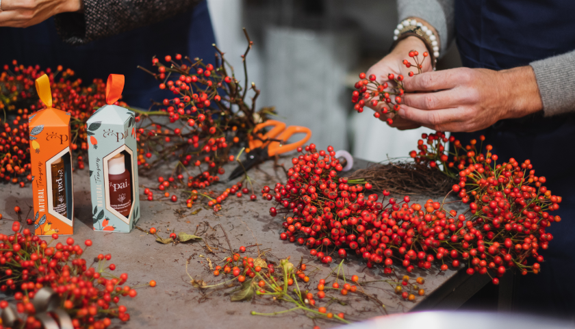 How To Make Your Own Rosehip Christmas Wreath